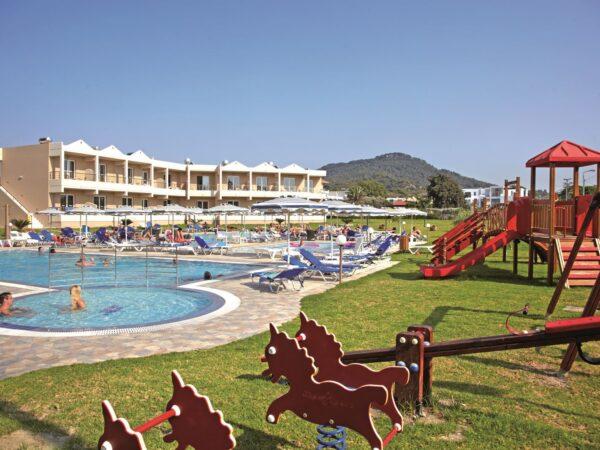 emerald hotel zwembad