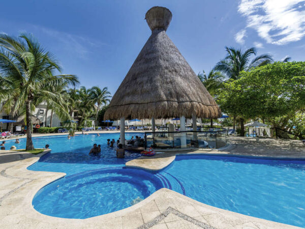 playacar resort pool