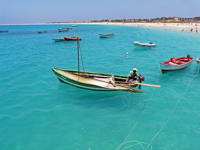 Kaapverdië vissersbootjes